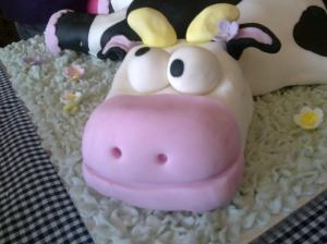Cow cake head