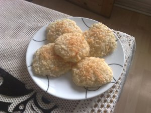Lime and coconut biscuits