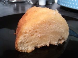Soured cream bundt cake
