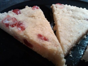 Cherry and almond shortbread 2